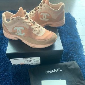 Nude/Peach sneakers size 39